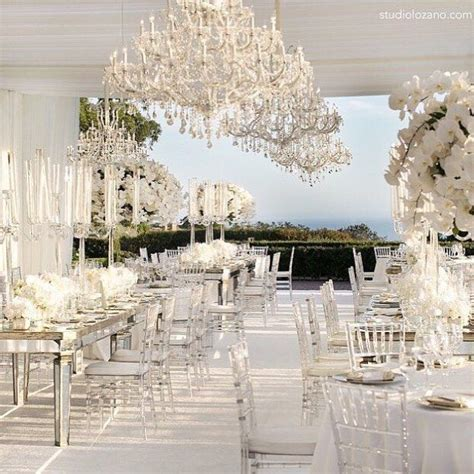 White Wedding Decorations by 25 Best Ideas About White Wedding Linens On