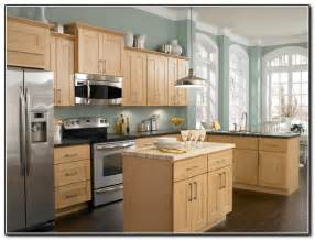 Kitchen Wall Colors by Kitchen Wall Colors With Light Oak Cabinets Kitchen
