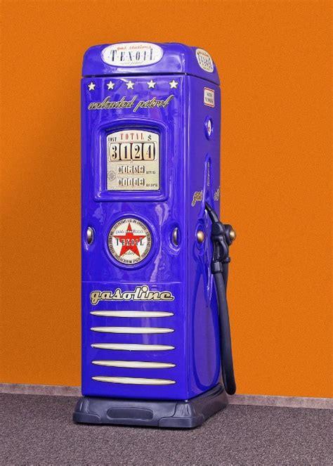 eckkleiderschrank kinderzimmer blau kleiderschrank und schreibtisch als tankstelle bei