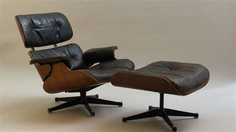 Eames Lounger And Ottoman by Eames Lounger And Ottoman 670 And 671 By Hille Patinated