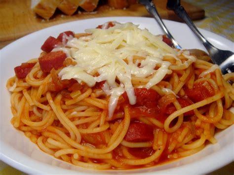 spaghetti in a hot pasta hot hot hot