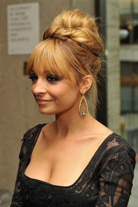 20 glamorous updo hairstyles that approved by celebrities