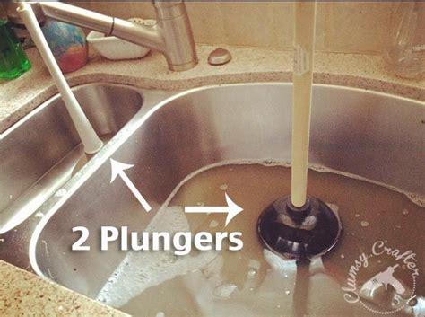Plugged Kitchen Sink by Best 25 Unclogging Sink Ideas On Unclog Sink