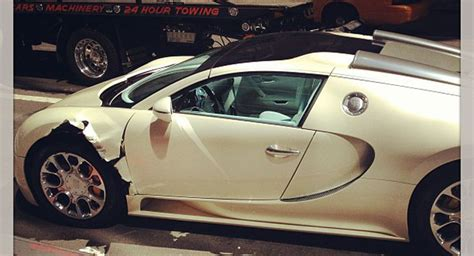 bugatti pickup saudi bugatti veyron smacked by a truck in new york city