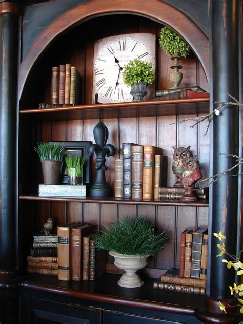 books for decorating shelves 25 best ideas about old world decorating on pinterest