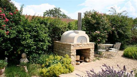 forni a legna con barbecue da giardino forno a legna da giardino barbecue modelli di forno a