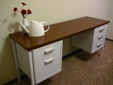 painting a metal desk best 25 metal desk makeover ideas on desk