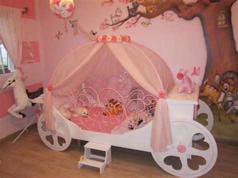 carrozza principesse 20 meravigliose camerette da principessa disney per