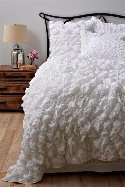 white fluffy bedding 48 impressive bedroom design ideas in white digsdigs