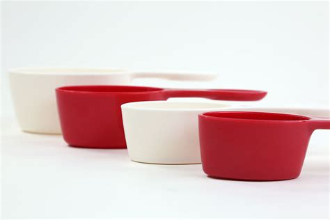 magnetic measuring cups progressive magnetic measuring cups breadtopia