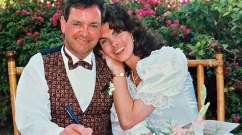 Married woman dates lesbian stories