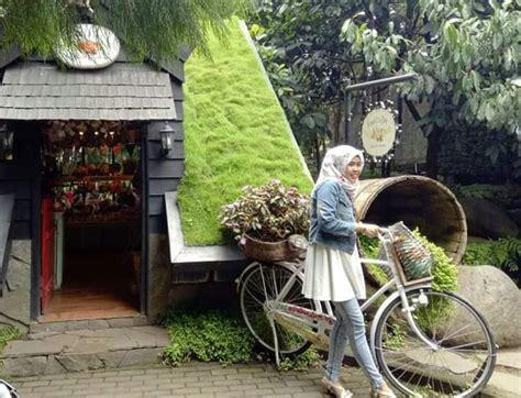 Gembok Cinta Di Farmhouse Lembang tempat wisata ala eropa yang ada di bandung farm house