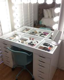 Makeup Vanity Lots Of Storage 17 Makeup Storage Ideas You Ll Surely