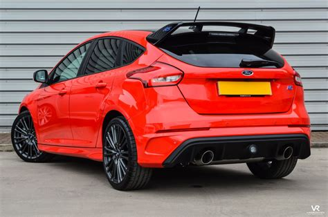 vr warrington ford focus  rs red edition dr  sale