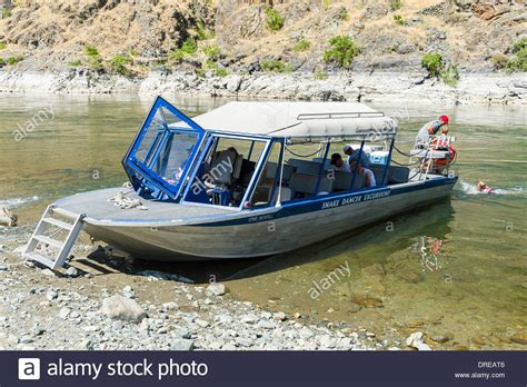 jet boat on snake river jet boat in hells canyon on the snake river forming the