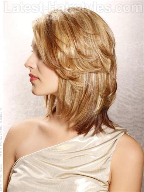 how to get a softly rounded bob hairstyle medium hair cuts for fine hair round face medium