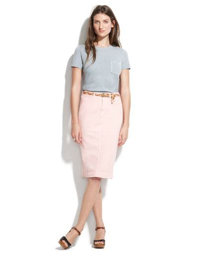 light pink pencil skirt a light pink pencil skirt that s simultaneously casual and