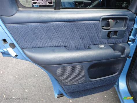2000 Chevy Blazer Door Panel by 1996 Chevrolet Blazer Ls 4x4 Blue Door Panel Photo