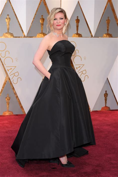 Worst Dressed Of The Day Kirsten Dunst Oscars Edition by Kirsten Dunst Oscars 2017 Carpet In