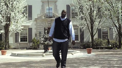 shaq in a buick can shaquille o neal fit in a buick lacrosse ad