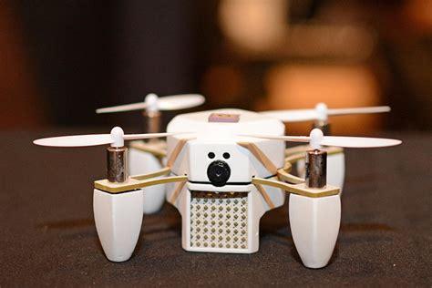 Drone Zano Palm Sized Zano Drone Zips Into Ces 2015 Prodigitalweb