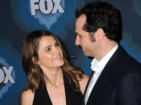matthew rhys is married to keri russell and co star boyfriend matthew rhys are