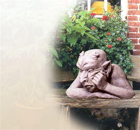 Steinskulpturen Garten by Gargoyles Als Steinfiguren Gartenfiguren Gartenskulpturen Steinskulpturen Skulpturen