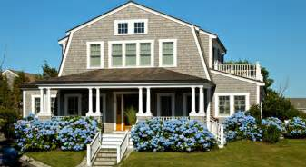 colonial style homes tips to retain the essence of a colonial style house