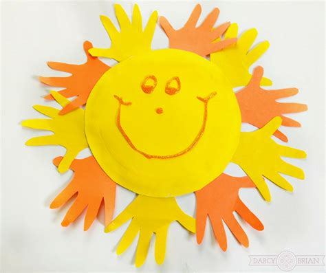 Sun Paper Plate Craft - and easy handprint sun paper plate craft for