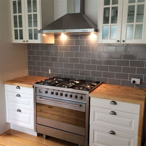 Oven Backsplash Kitchen With Subway Tile Backsplash And Freestanding Oven Ideas For The House