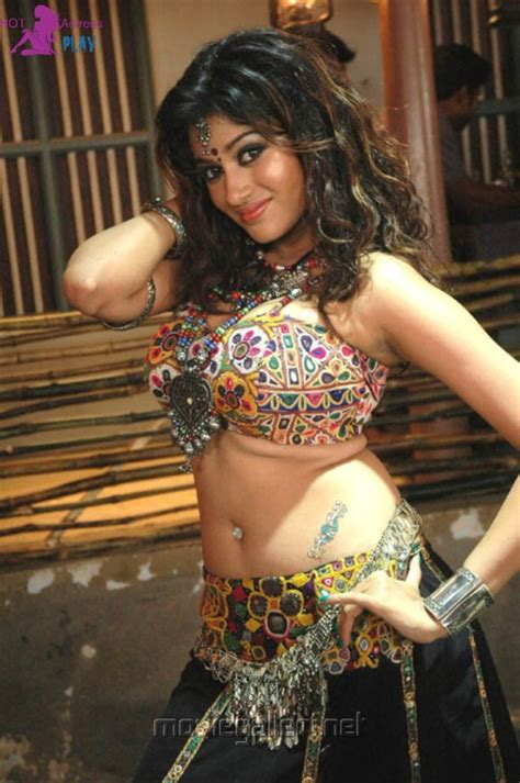tamil actress hot spicy images oviya hot spicy images sexy bikini photos gallery