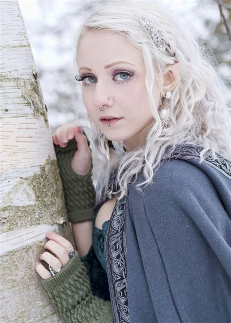 women hair by ears melynda moon the lord of the rings fan has ears pointed