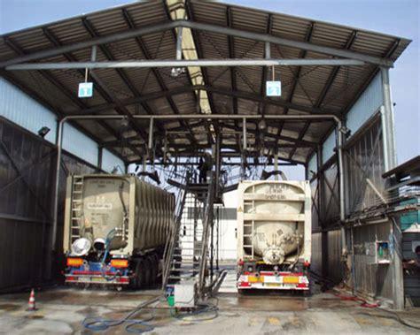 Lavaggi Interni - lavaggio stile lavaggio industriale per autotrasporti