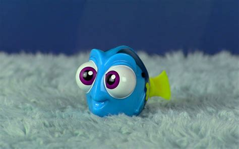 Disney Robo Fish Swimming Finding Dory Bailey dan the pixar fan finding dory swimming robo fish