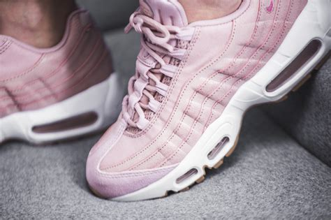 Purple Kitchen by Nike Wmns Air Max 95 Premium Rose