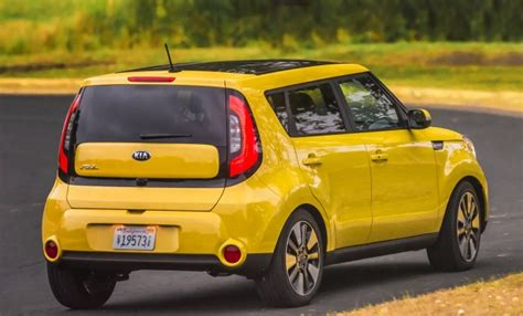 kia cube 2015 2017 kia soul vs 2017 honda fit compare cars
