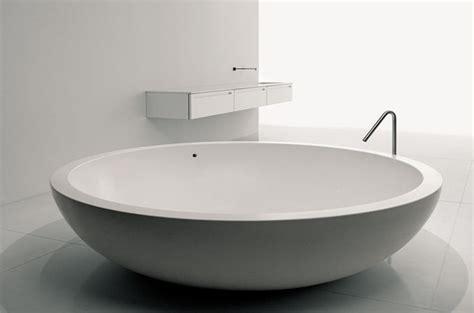 comment installer une baignoire comment installer une baignoire ronde ou ovale
