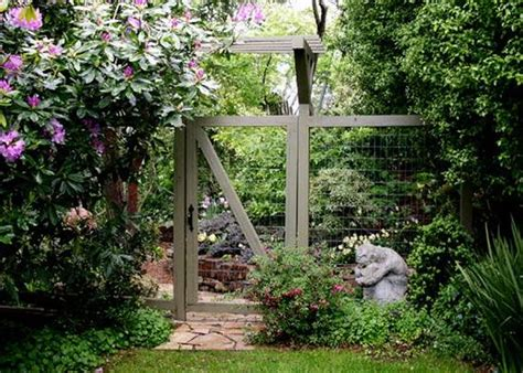 Backyard Fence Landscaping Ideas by 25 Beautiful Fence Designs To Improve And Accentuate Yard