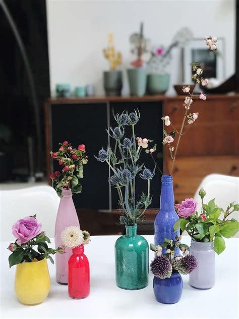 vasi bottiglie crafty chic come trasformare in vasi le bottiglie di