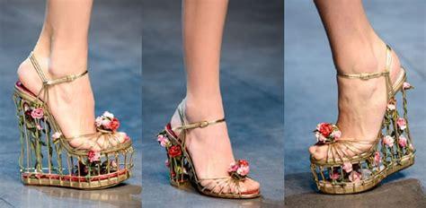 donna e scarpe particolari e stravaganti consigli per donna e