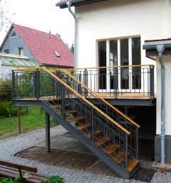 terrassen treppen terrasse treppe garten terrassen treppe