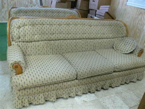 early american sofas early american style sofa
