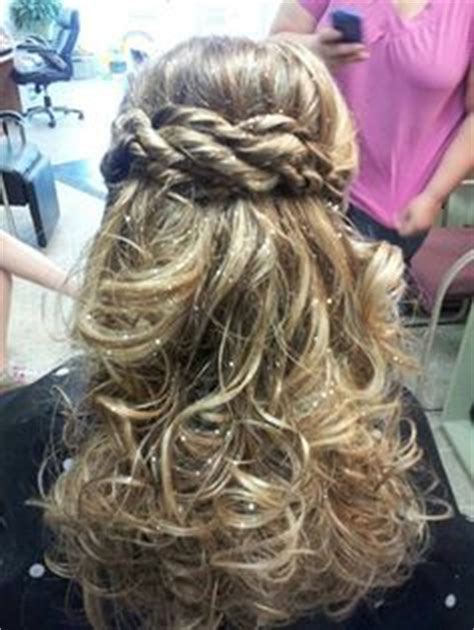 hairstyles for eighth grade graduation 1000 images about graduation hair on pinterest 8th