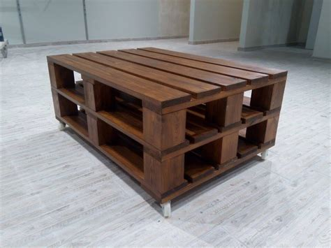 Pallet Coffee Tables Recycled Pallet Coffee Table On Wheels 101 Pallets