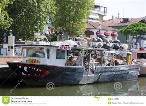 funny fishing boat images funny fishing boat editorial photo image 33455331