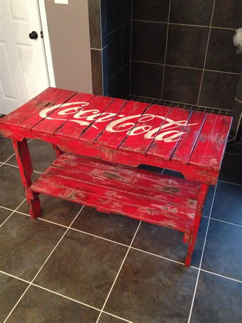 Co Ke Furniture by Distressed Coca Cola Table Made Of Reclaimed Vintage Pallets Ikea Decora