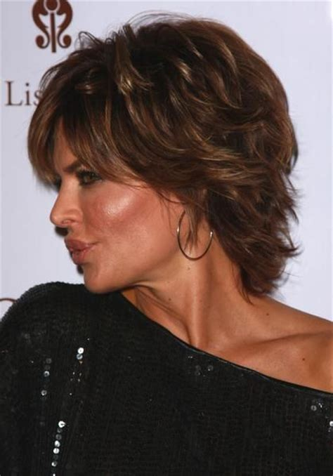 guide to lisa rinna haircut lisa rinna latest hairstyle hairstyles with shoulder