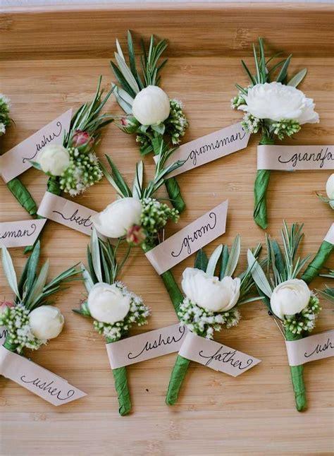Boutonnière invité mariage   des projets de bricolage fleuris