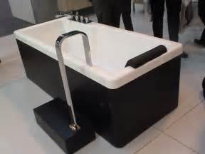 Bathtub With Steps Fonte Dei Marmi At Kbb Fonte Dei Marmi London