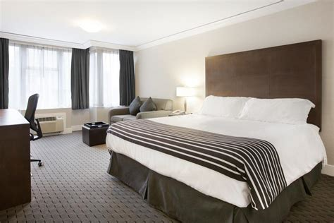 running room downtown vancouver recommended vancouver hotels near skytrain stations